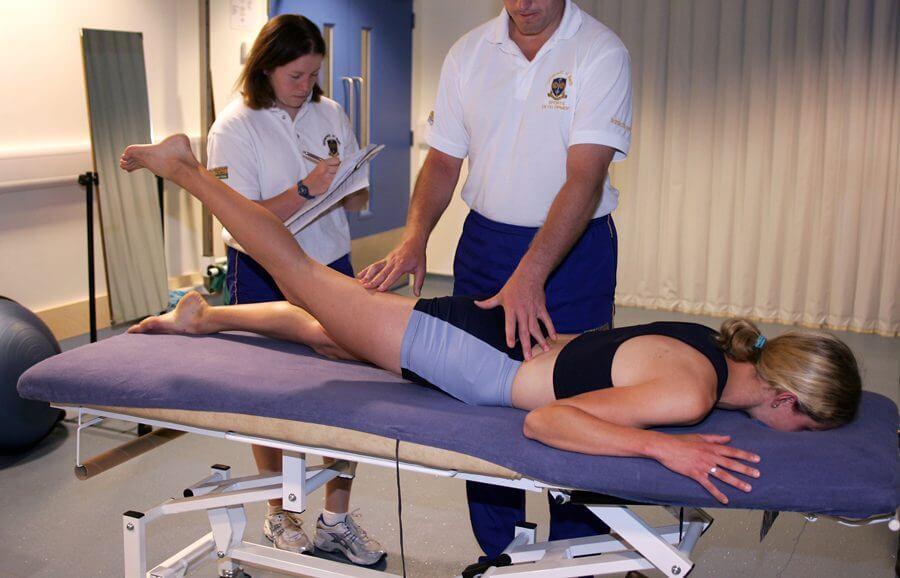 Chữa đau nhức xương khớp bằng vật lý trị liệu