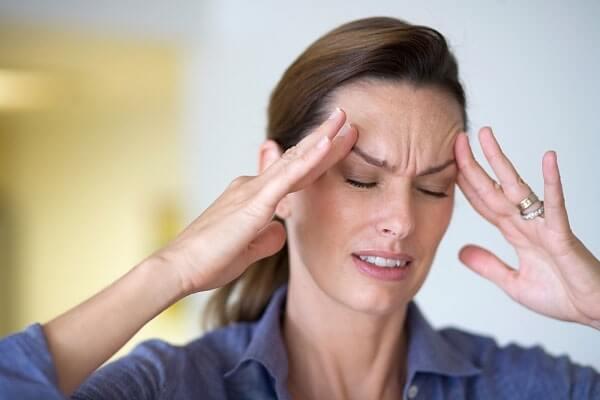 Đau đầu là bệnh gì? Nguyên nhân và cách điều trị