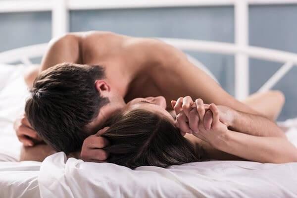 Cách chiều chồng trên giường